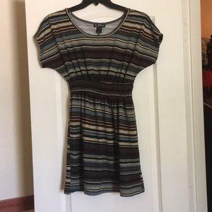 Dresses & Skirts - black bro blue strip short sleeve dress
